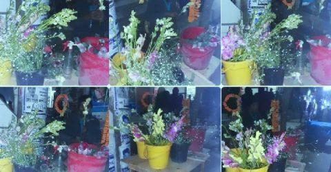 ১৪ ই ফেব্রুয়ারীতে ভালবাসা দিবসকে- কেন্দ্র করে ফুলের দাম বৃদ্ধি করেছেন ব্যাবসায়ী