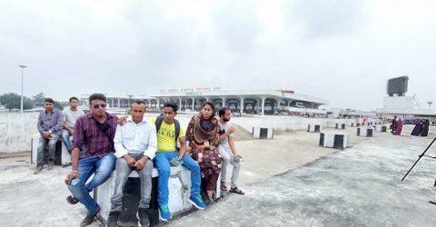 বিমানবন্দরে ল্যাব স্থাপনের '৩-৪ দিন' শেষ হবে কবে, প্রশ্ন প্রবাসীদের